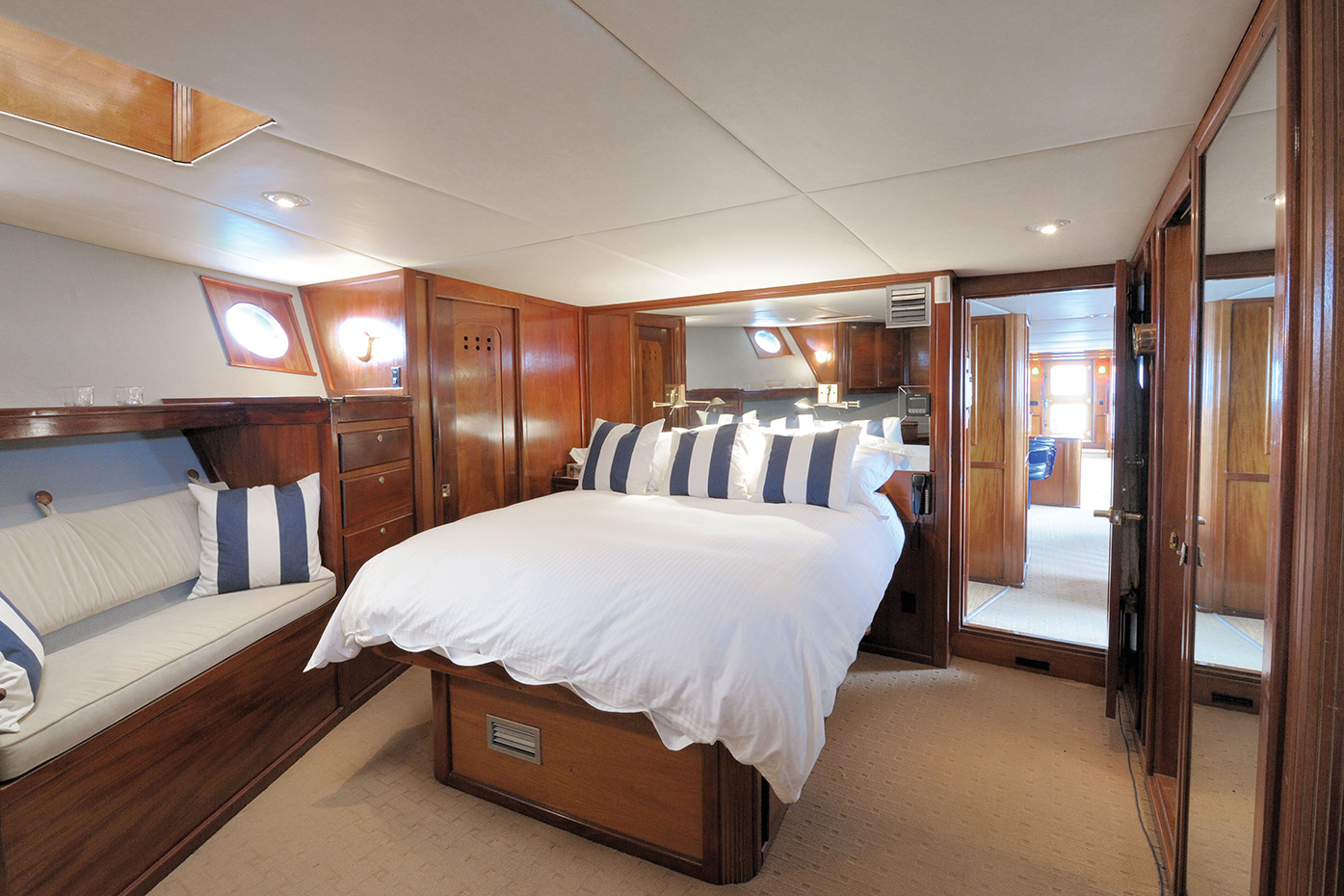 Main Deck, Suite - View 2